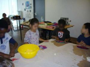 Atelier pédagogique initiation feutre élève de CP Atelier de Julie